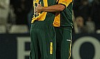Nottinghamshire Searching For Hussey Replacement