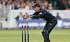 Luke Ronchi keeping wicket