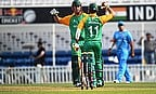 South Africa beat India in a final-over finish to their semi-final