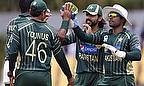Younus Khan and Pakistan team-mates