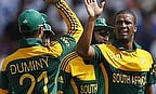 JP Duminy and Vernon Philander