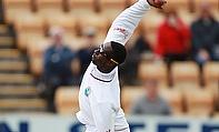 Shane Shillingford bowling