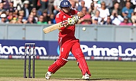 Luke Wright hits out for England
