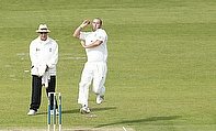 Chris Rushworth bowls