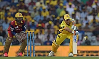 MS Dhoni (right) scored a blistering 29 runs off 18 deliveries as Chennai Super Kings defeated Royal Challengers Bangalore by 24 runs.