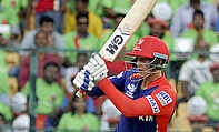 Quinton de Kock scored a blistering 69 before rain played spoilsport in the Delhi Daredevils and Royal Challengers Bangalore encounter.