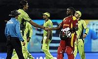 Pakistan and Zimbabwe players shake hands