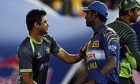 Sri Lanka and Pakistan players shake hands