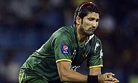 Pakistan flex batting and bowling might to squeeze Sri Lanka