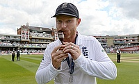 England's Ian Bell celebrates winning the Ashes with the urn.