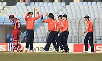 England players celebrating their victory over West Indies.