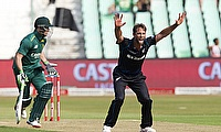 Elliott delivers with the ball again as Quetta Gladiators regain top position
