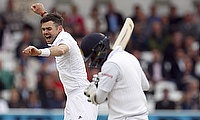 James Anderson (left) celebrating the wicket of Angelo Mathews.