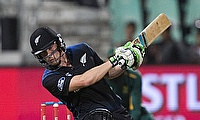 Henry Nicholls, George Worker handed New Zealand contracts