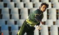 Mohammad Hafeez not to give up on bowling