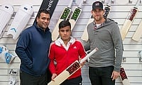 Matti Abed with GM Ambassadors Samit Patel and Dawid Malan