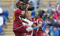 Dwayne Bravo (right) and Darren Sammy will be reunited in Peshawar Zalmi