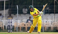 Alyssa Healy batting