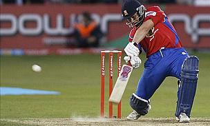 Napier Signs New Deal With Essex