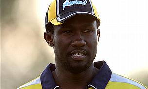 Wavell Hinds Awarded Derbyshire Cap