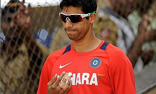 Nehra Called Up To Replace Praveen Kumar