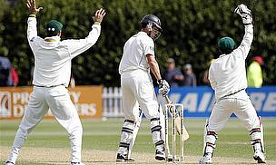 Pakistan Bowlers Keep New Zealand In Check