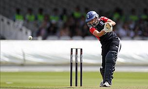 Derbyshire Give Knight Three-Year Contract