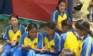 TV - Nepalese Blind Girls Struggle To Play Cricket