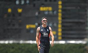 Pietersen Suffers Thumb Fracture