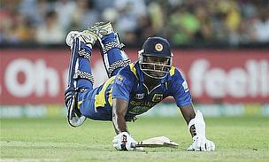 Sri Lanka Reach Finals With Thrilling Nine-Run Win