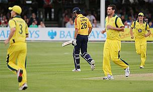 Australia Demolish Essex In Final Tour Game