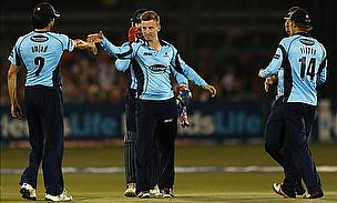 Super Styris Smashes Sussex Into Semis