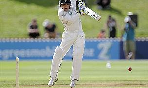 McCullum And Guptill Give New Zealand Hope