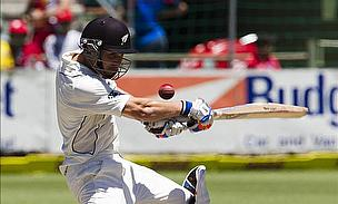 Watling And Brownlie Resistance Takes Test Into Fourth Day