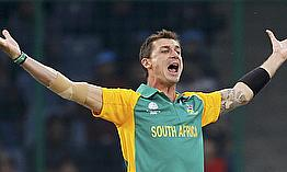 Records For Steyn, De Villiers In Crushing Win