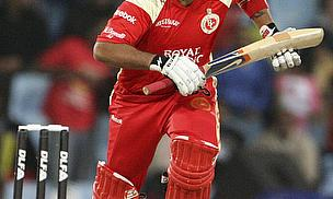 IPL 2013: Brilliant Bangalore Keep Hopes Alive