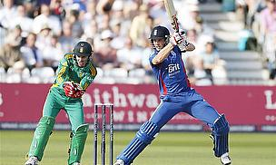Chris Woakes batting against South Africa