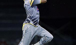 Sohail Tanvir bowls in his Pakistan training kit