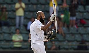 Amla Stands Firm As Pakistan Start Well