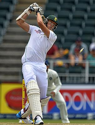 Morne Morkel is bowled out