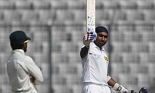 Mahela Jayawardene celebrates