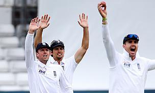 Graeme Swann, Alastair Cook, Kevin Pietersen