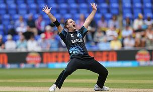 Daniel Vettori appeals for a wicket