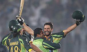 Shahid Afridi celebrates
