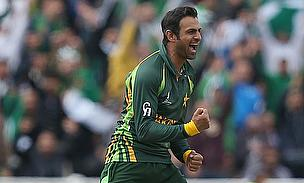 Shoaib Malik celebrates