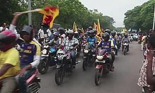 Sri Lankan fans welcome the ICC World Twenty20 champions to Colombo