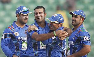 Dawlat Zadran celebrates