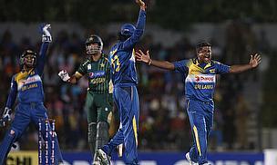 Sri Lanka appeal for a wicket against Pakistan