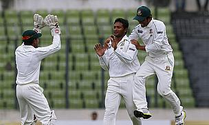 Anamul Haque celebrates with Mushfiqur Rahim & Shakib Al Hasan