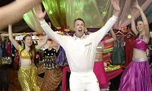 Graeme Swann has got into the swing of the IPL and tips Chennai Super Kings to win overall